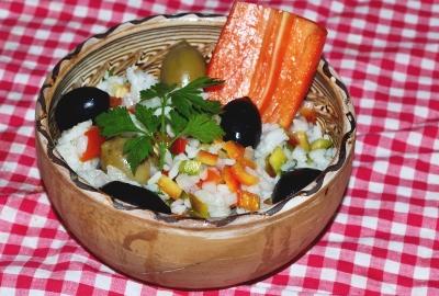 Salată de orez Andalucia