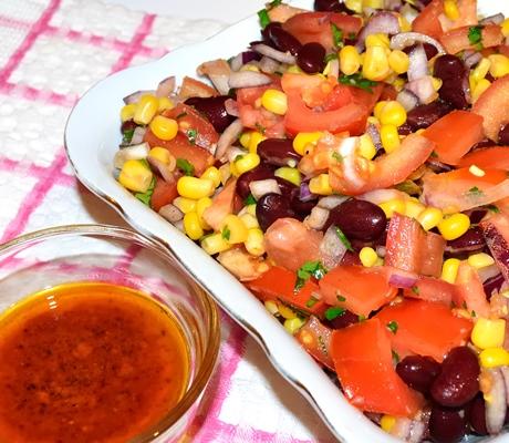 Salata mexicana cu fasole si porumb