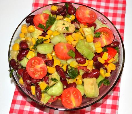 Salata hidratanta de vara