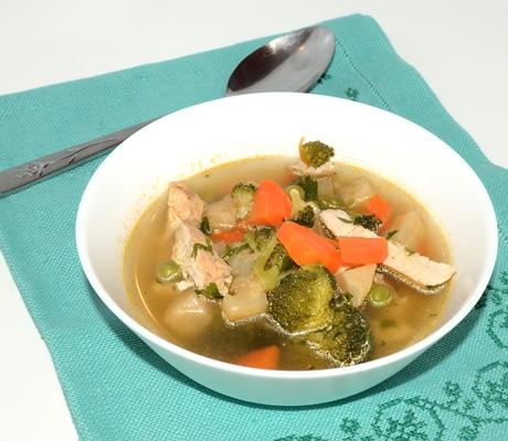 Supa de pui cu brocoli