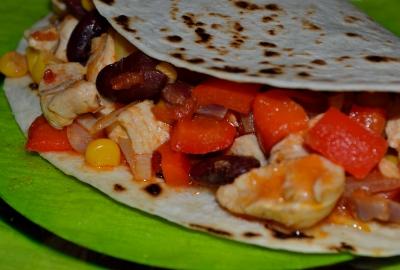 Tortillas umplute cu piept de pui